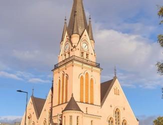 kirkko 325x250 - Konsertti