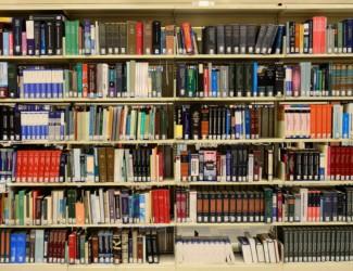 library 1147815 1920 325x250 - Kemin kaupunginkirjasto 140 vuotta -näyttelyn avajaiset