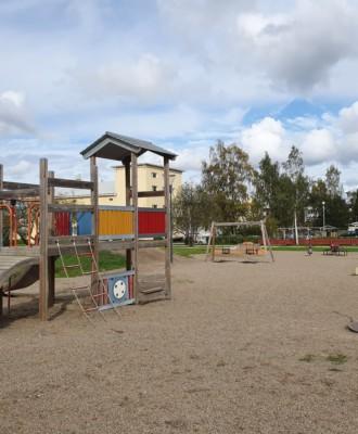 meripuisto 330x400 - Leikkipuistot