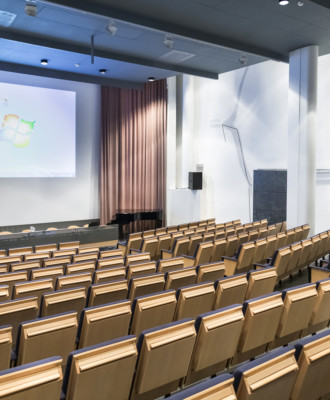 031 330x400 - Kulttuurikeskus - Auditoriot