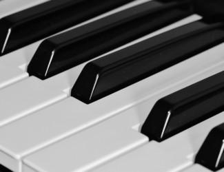 piano 362251 1920 325x250 - Pianistien ilta